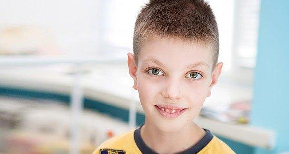 9-річний Гоша з зони АТО потребує операції