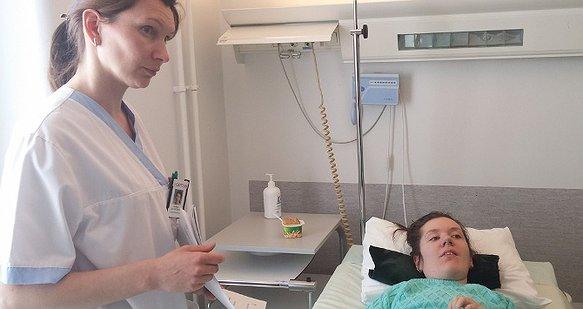 Молоду художницю Аню врятує операція на хребті