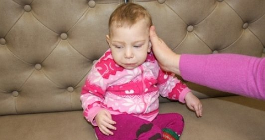 Єсенія, після смерті мами, може сподіватися тільки на вашу допомогу! 2 етап зборів