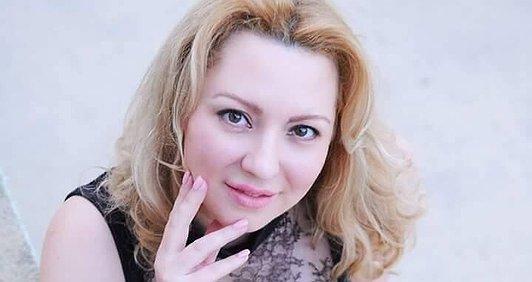 Біжу в підтримку медиків зони АТО, Олена Адамантіс