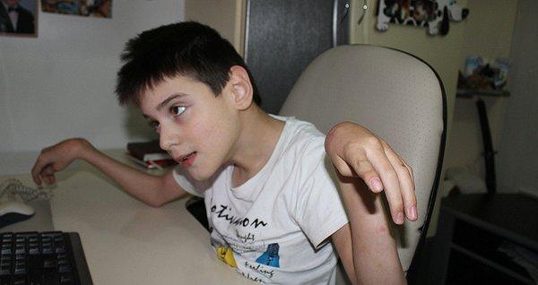 Андрійко втомився від болю. 2