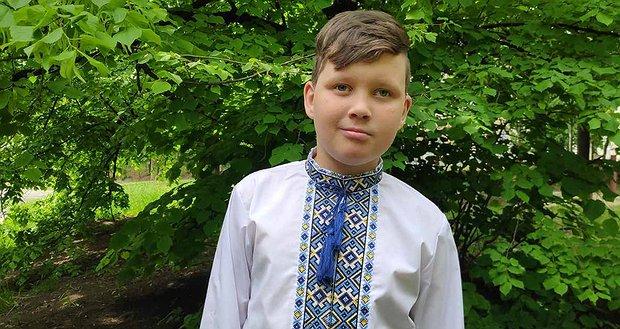 Пухлина мозку може відняти у Олега життя. 7