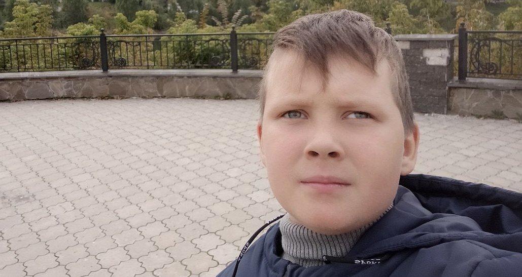 Пухлина мозку може відняти у Олега життя. 8