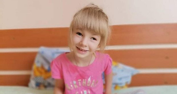 Маленька Поліна мріє танцювати. 6