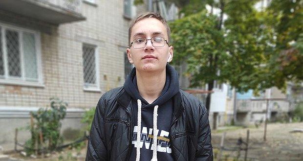 Допоможіть Ярославу перемогти!
