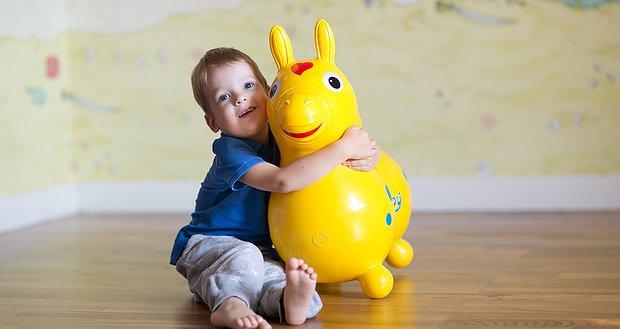 Корисні іграшки для малюків з муковісцидозом