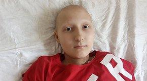 Настя бореться з онкозахворюванням